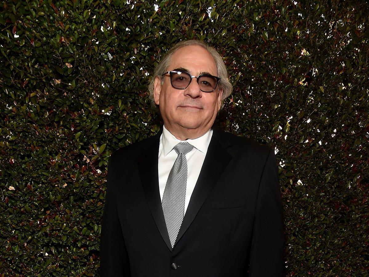Steve Gilula asiste a la 76ª entrega anual de los Globos de Oro en el Beverly Hilton Hotel el 6 de enero de 2019 en Beverly Hills, California.
