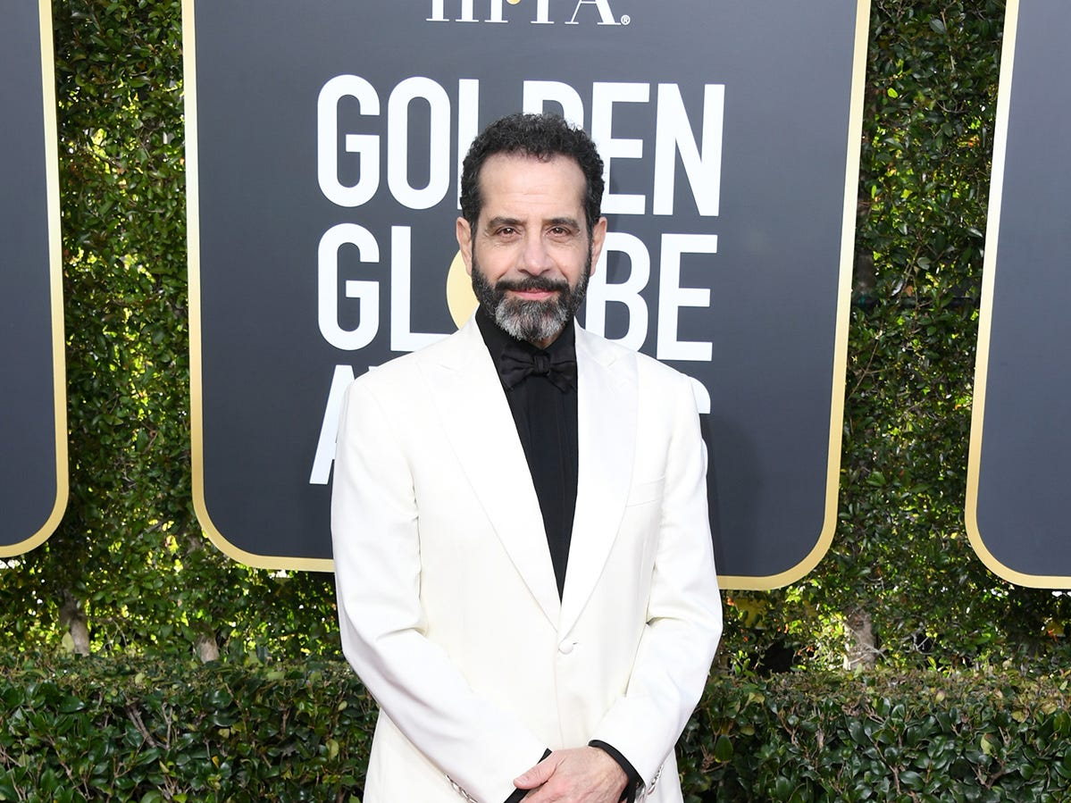 Tony Shalhoub  asiste a la 76ª entrega anual de los Globos de Oro en el Beverly Hilton Hotel el 6 de enero de 2019 en Beverly Hills, California.