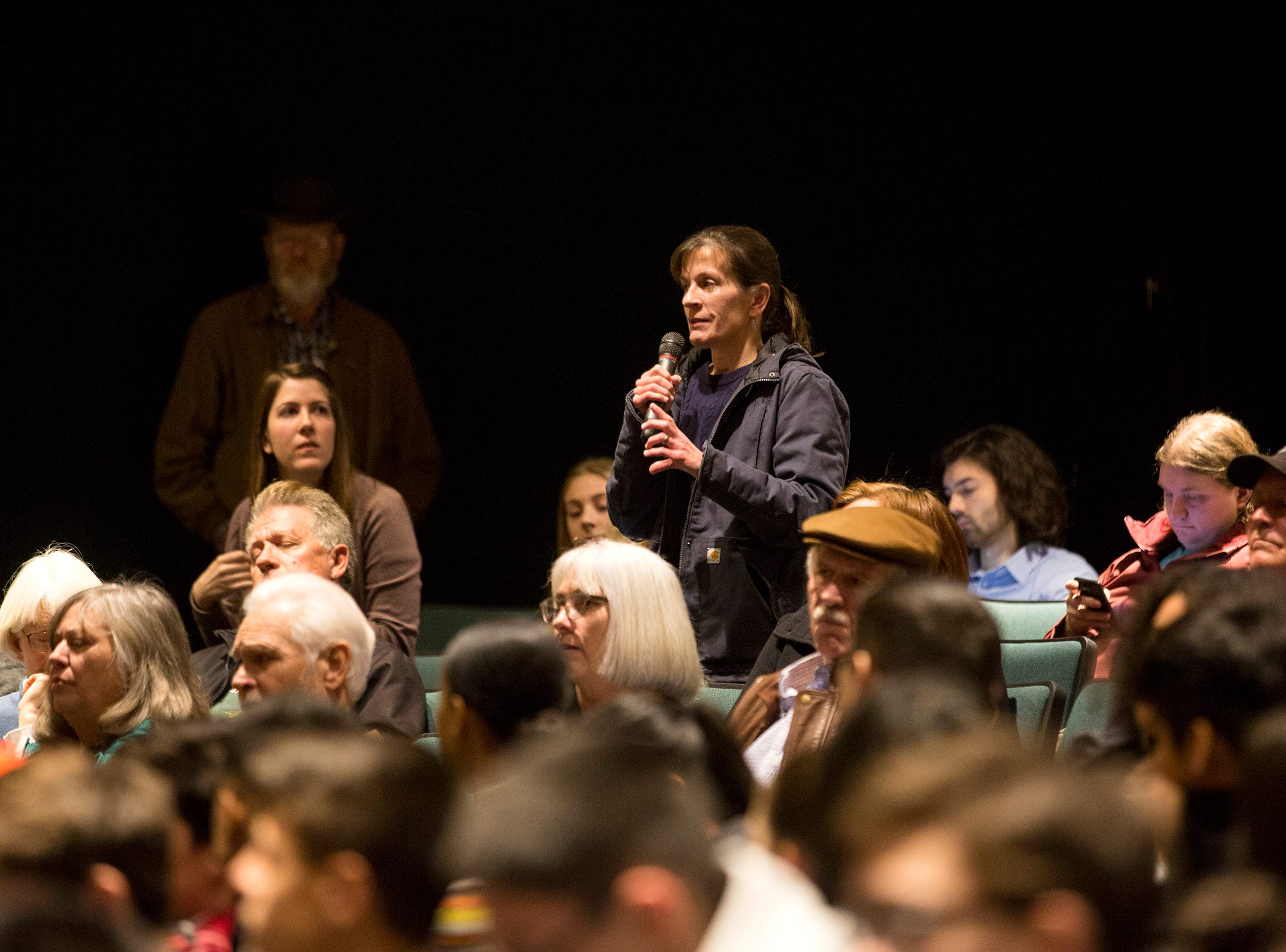 Constituants ask Sen. Ron Wyden questions during a Marion County town hall at Woodburn High School on Monday, Jan. 7, 2019.