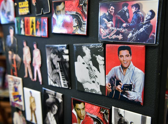Refridgerator magnets at the Elvis Always Gifts and Collectibles store.