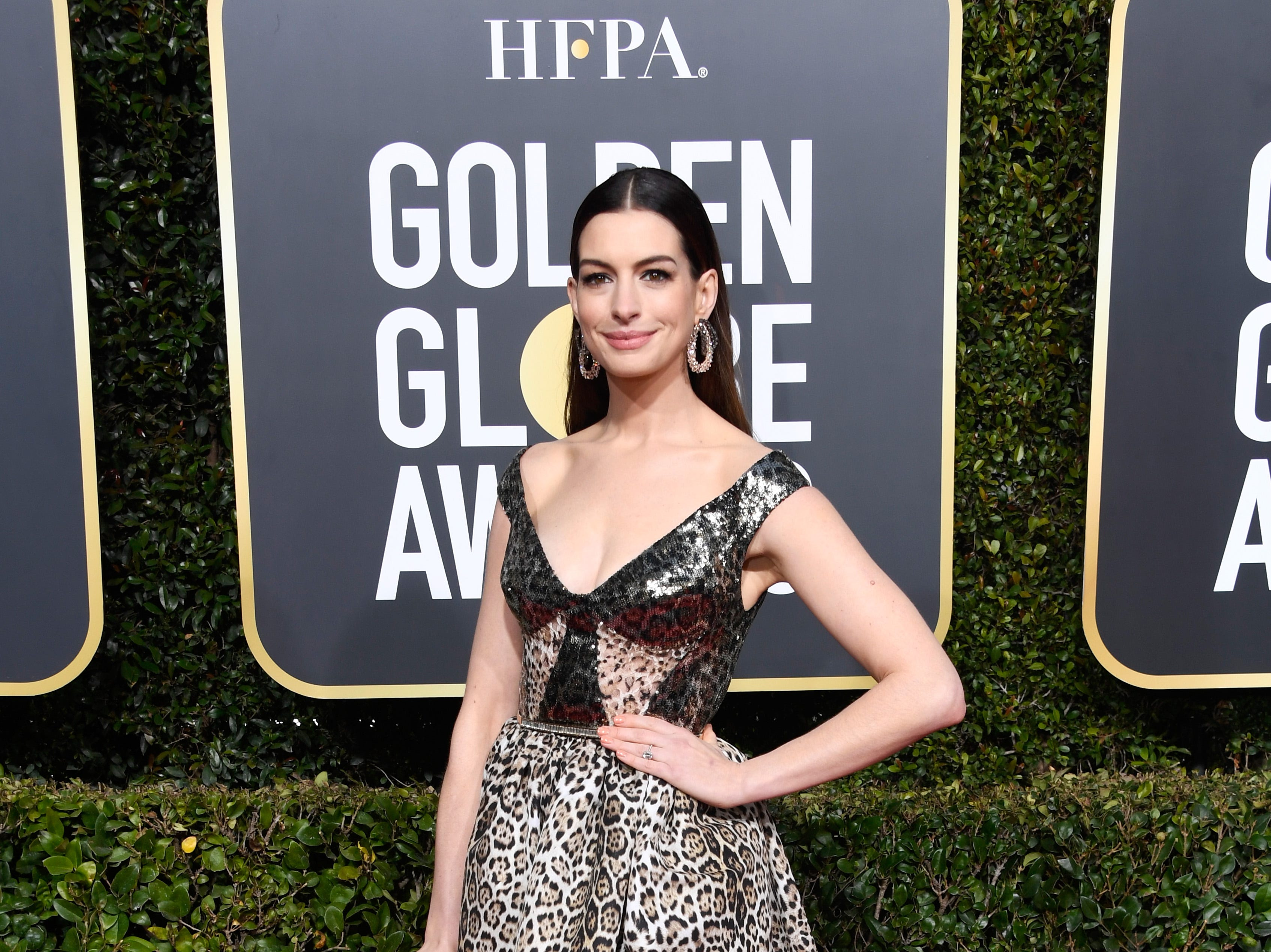 BEVERLY HILLS, CA - JANUARY 06:  Anne Hathaway attends the 76th Annual Golden Globe Awards at The Beverly Hilton Hotel on January 6, 2019 in Beverly Hills, California.  (Photo by Frazer Harrison/Getty Images) ORG XMIT: 775278352 ORIG FILE ID: 1078338126