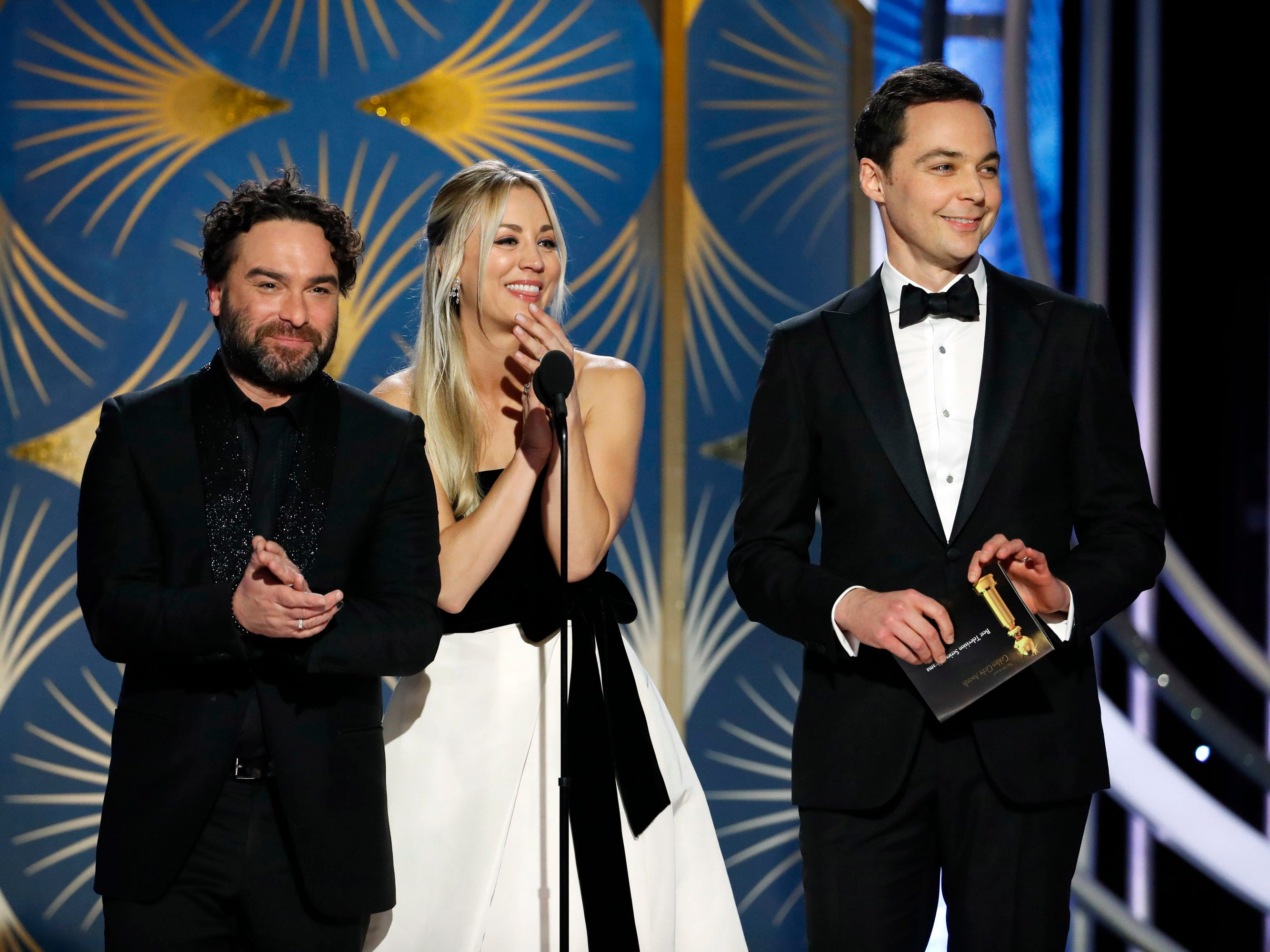 Johnny Galecki, Kelly Cuoco, and Jim Parsons during the Golden Globe Awards.