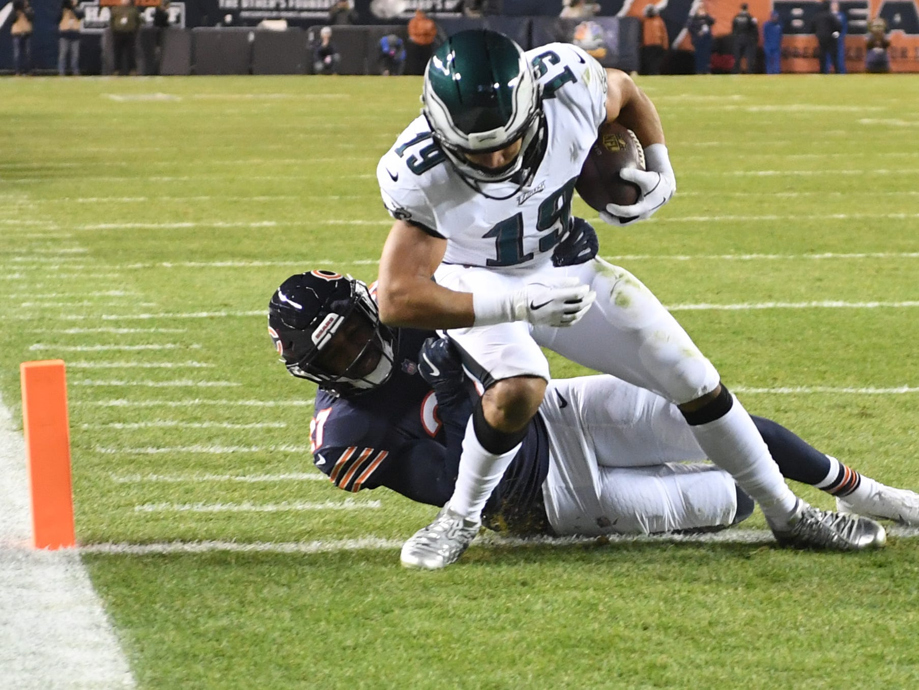 Philadelphia Eagles wide receiver Golden Tate scores the winning touchdown against the Chicago Bears  in the fourth quarter of the NFC wild-card game at Soldier Field.