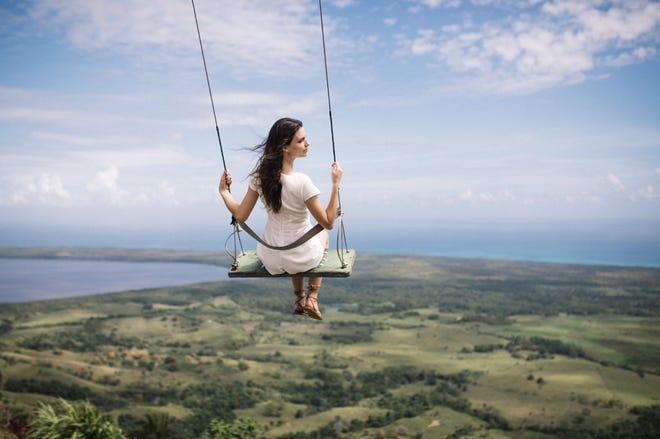 Take a short drive to Montaña Redonda for its panoramic views and photogenic swing.