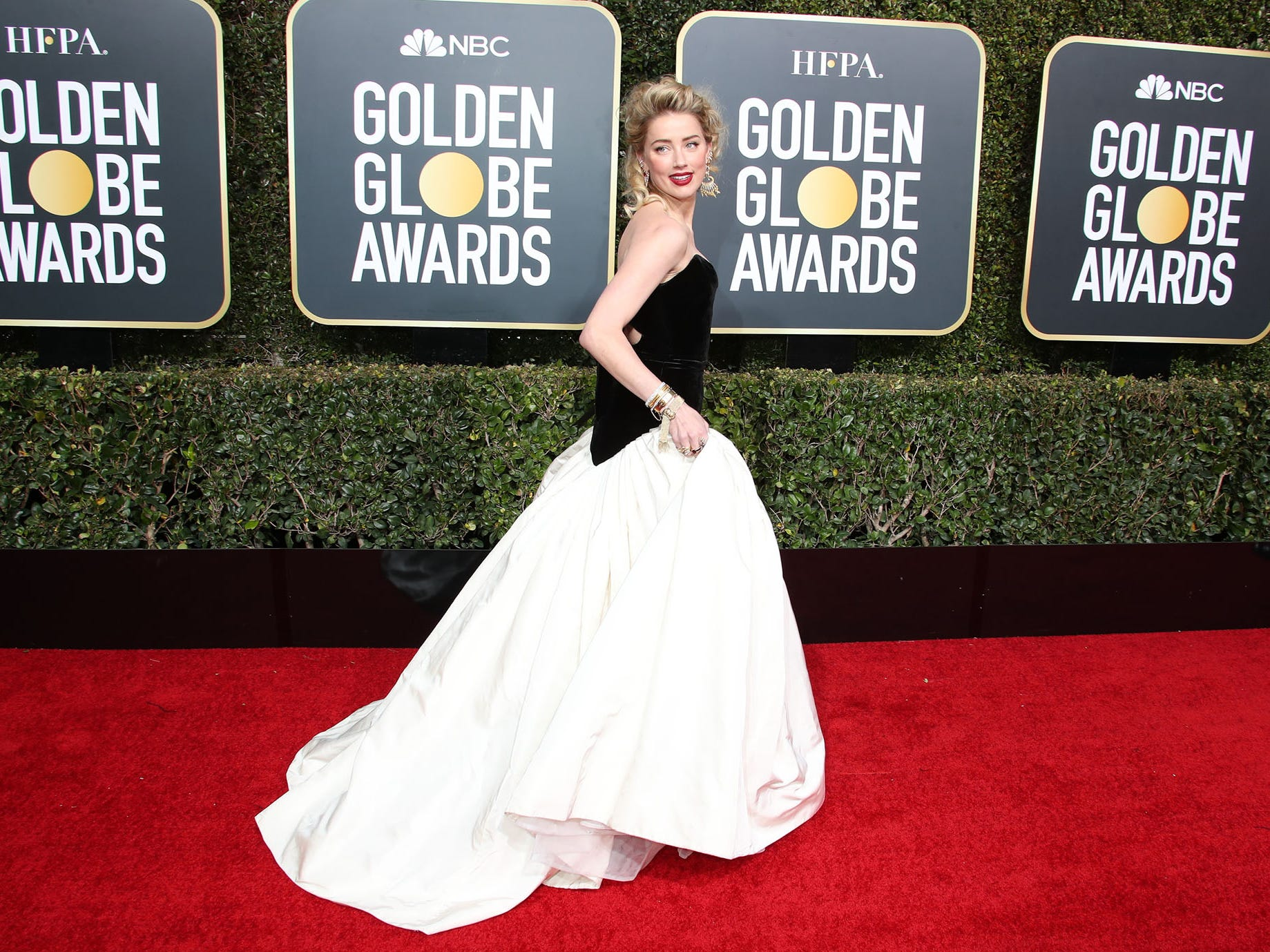 Amber Heard arrives on the 76th Golden Globe Awards red carpet.