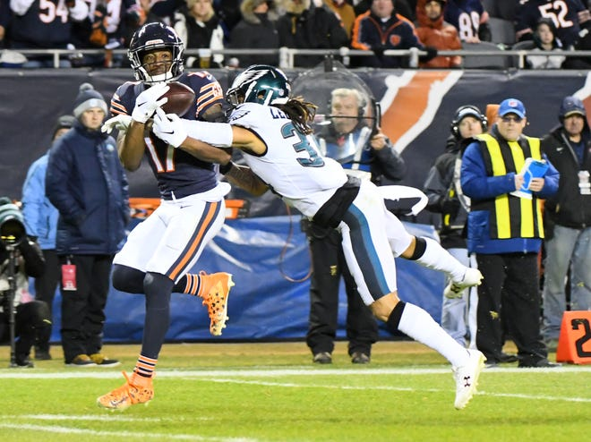 Philadelphia Eagles cornerback Cre'von LeBlanc (34) breaks up a pass intended for Chicago Bears wide receiver Anthony Miller (17) in the first half of a NFC Wild Card playoff football game at Soldier Field.