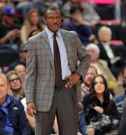 Dwane Casey during action against the Spurs.