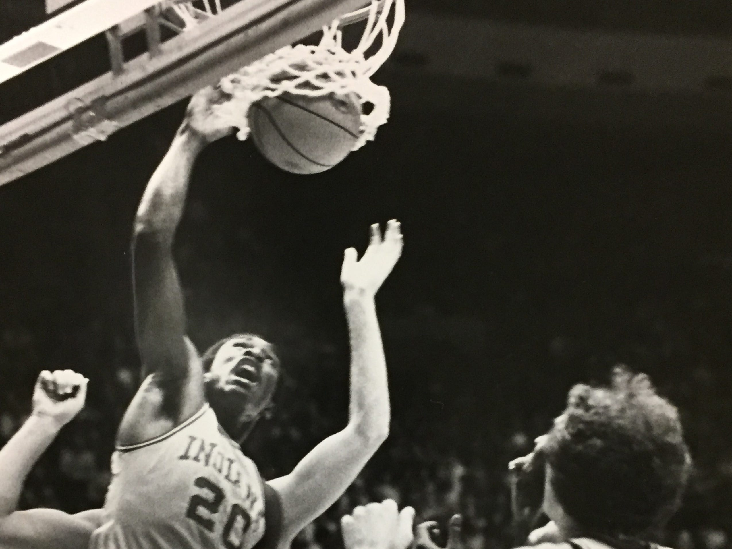 Jim Thomas dunks against Kentucky on Dec. 22, 1982.