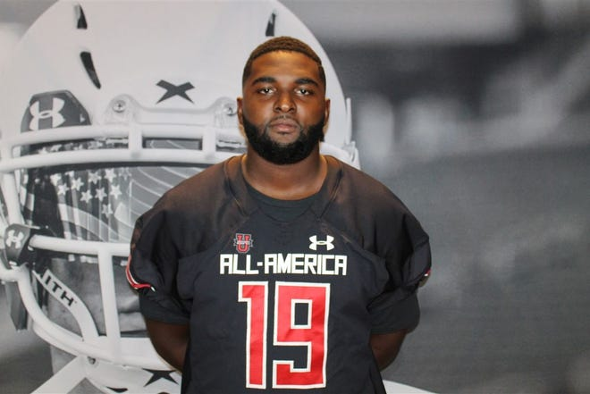 Louisville defensive end Charles Moore decommitted from Mississippi State on Jan. 7. He had been committed to State since August 2017.
