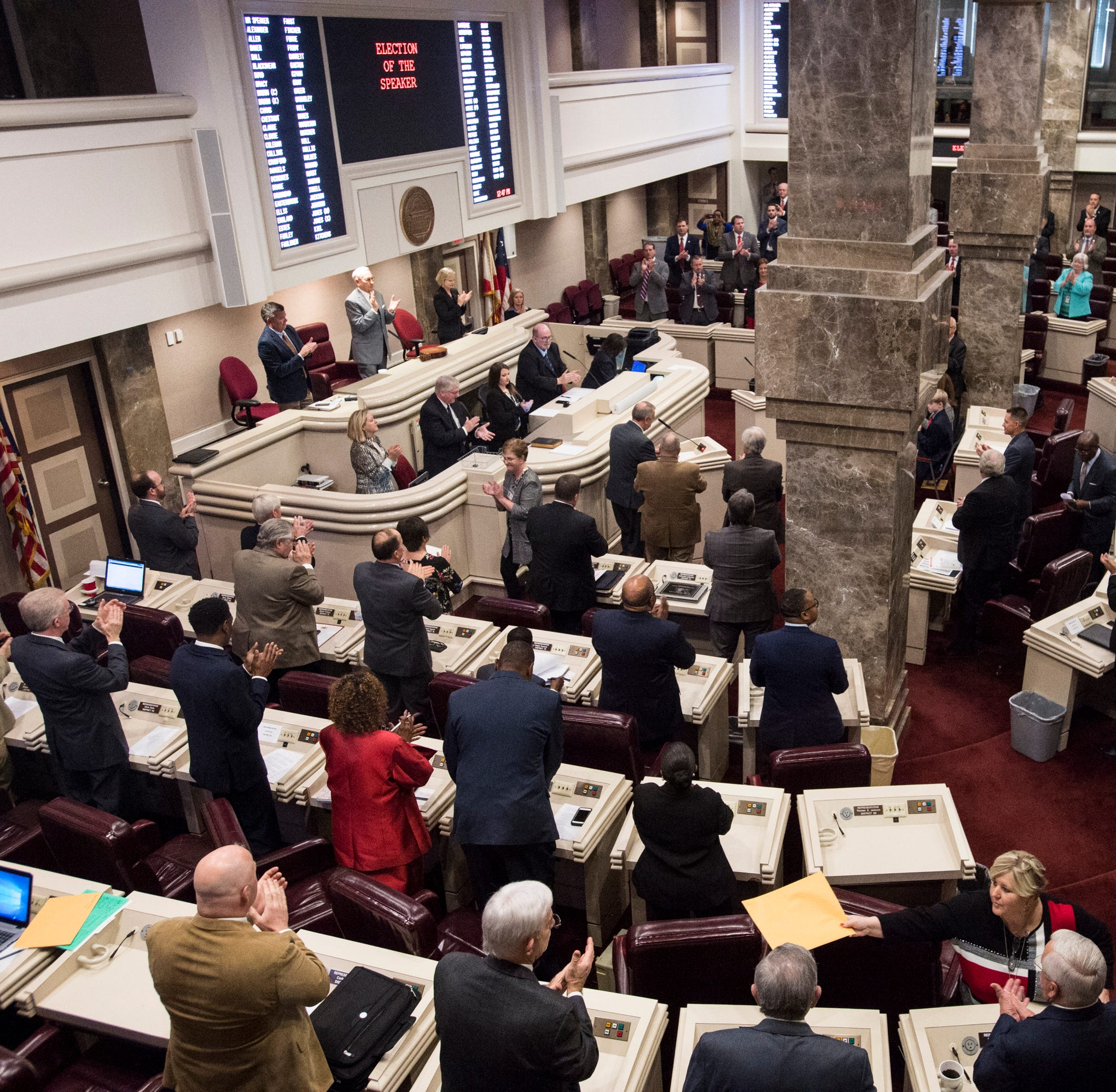 Alabama House approves increase in gas tax