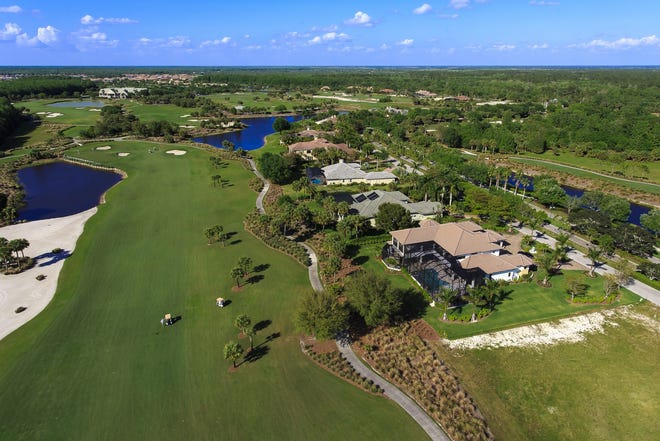 Six grand estate home sites are available in TwinEagles' Sterling Hill and Strathmore Legacy Estate neighborhoods.