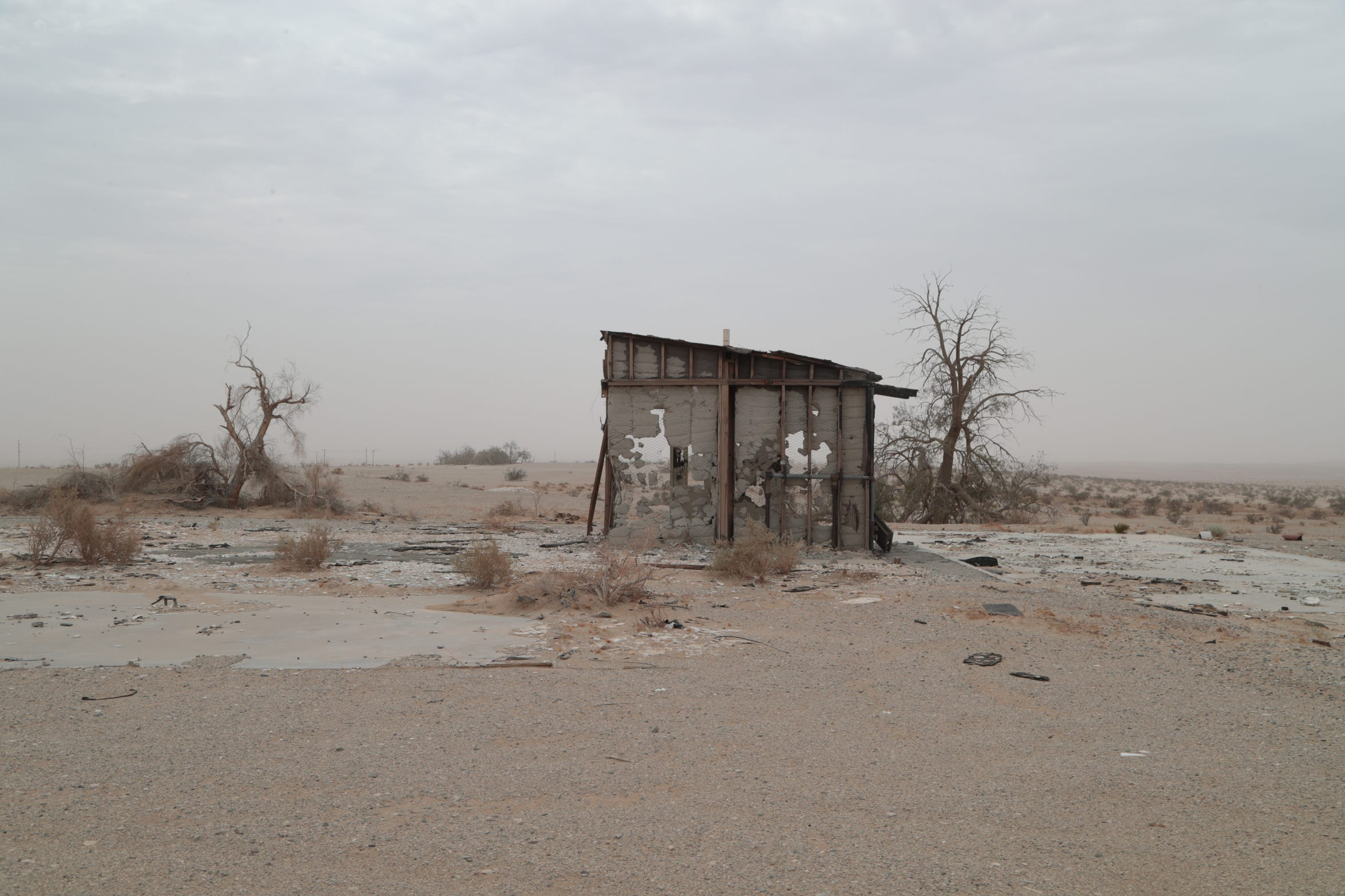 An abandoned structure stands along the Borrego-Salton Seaway.