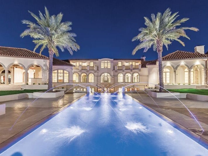 Dean Graziosi, New York Times best-selling author, purchased this Paradise Valley house for $7 million.