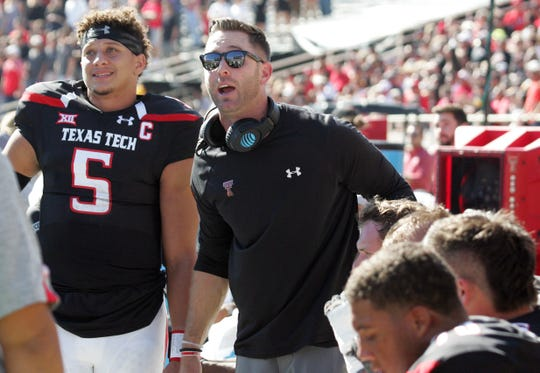 Cardinals' Kliff Kingsbury surprises Patrick Mahomes' prep coach with a Super Bowl ticket