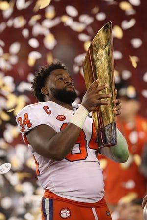 La Universidad de Clemson le propinó una paliza inesperada de 44-16 a Alabama, para apoderarse del título del fútbol americano colegial en Estados Unidos el lunes 7 de enero, de 2019.