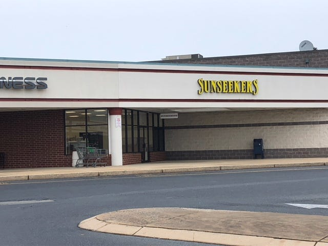 The former Sunseekers location on  Bowman Street (between Planet Fitness and CVS) will be the temporary home of the state store that is in a freestanding building across that parking lot.