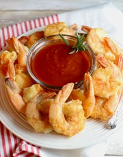 Shrimp are also low in calories, low in carbohydrates and rich in protein and nutrients.