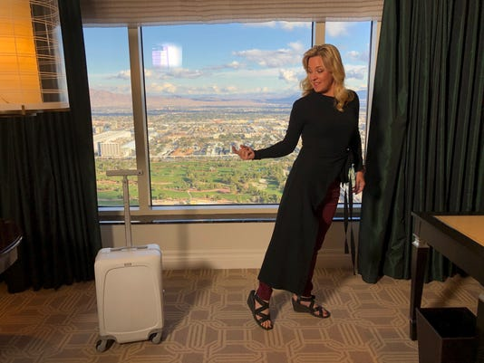 New Ovis Autonomous Robot Suitcase Follows You Around
