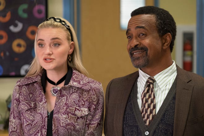 """Lainey Lewis (AJ Michalka), left, and Principal Glascott (Tim Meadows) are moving from """"The Goldbergs"""" to its '90s-something spinoff, """"Schooled."""""""