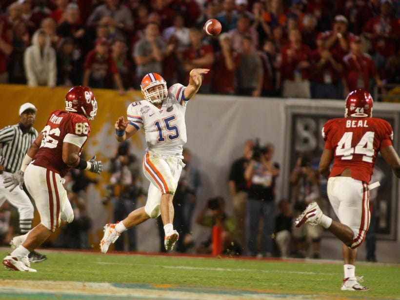 Tim Tebow throws a pass against Oklahoma during the BCS national championship game in the 2008 season.