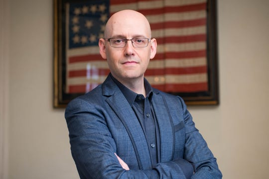 Author Brad Meltzer.