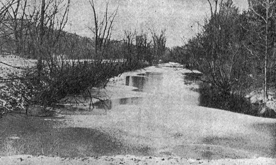 The section of the Chenango Canal that ran through the golf course at the Chenango Valley State Park.