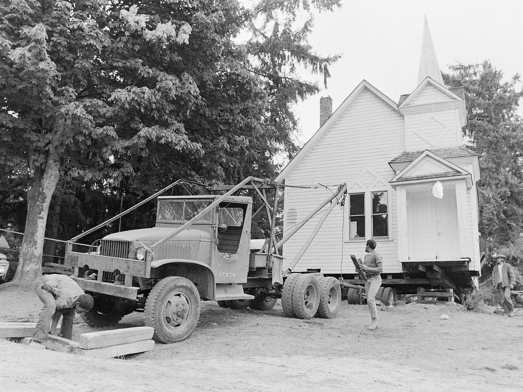 09/01/73Pearson Point Church Moving