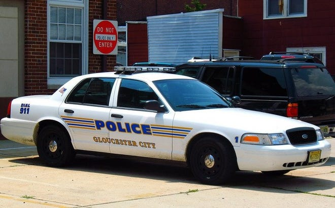 Gloucester City officials have settled a lawsuit alleging excessive force by a police officer against a teenaged girl.