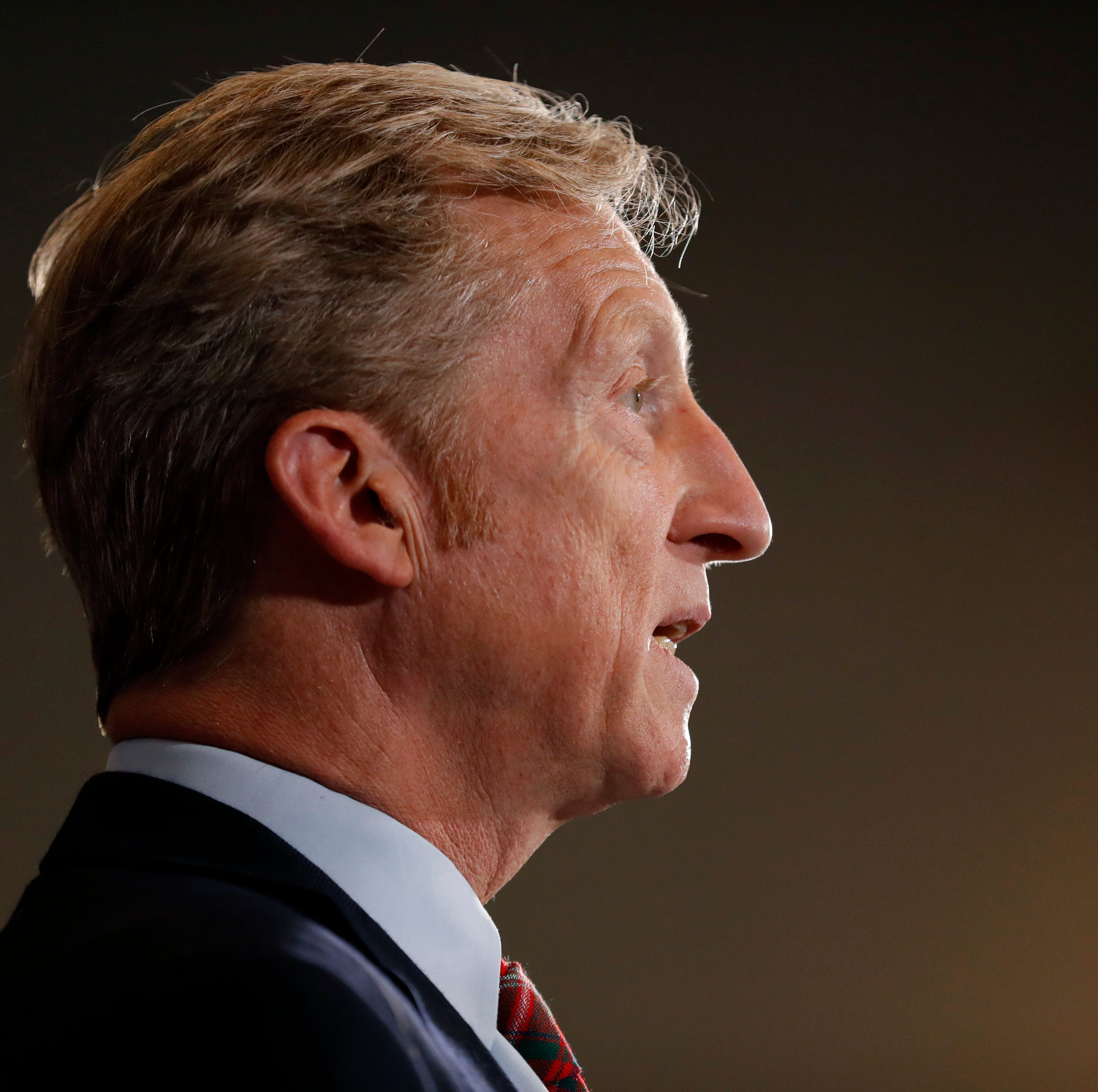 Billionaire activist Tom Steyer won't run for president, he announces in Des Moines