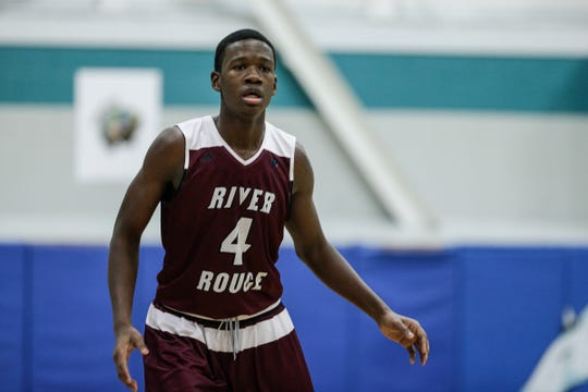 River Rouge small forward Legend Geeter (4) plays against Henry Ford Academy: School for Creative Studies during first half at the A. Alfred Taubman Center For Design Education in Detroit, Tuesday, Jan. 8, 2019.