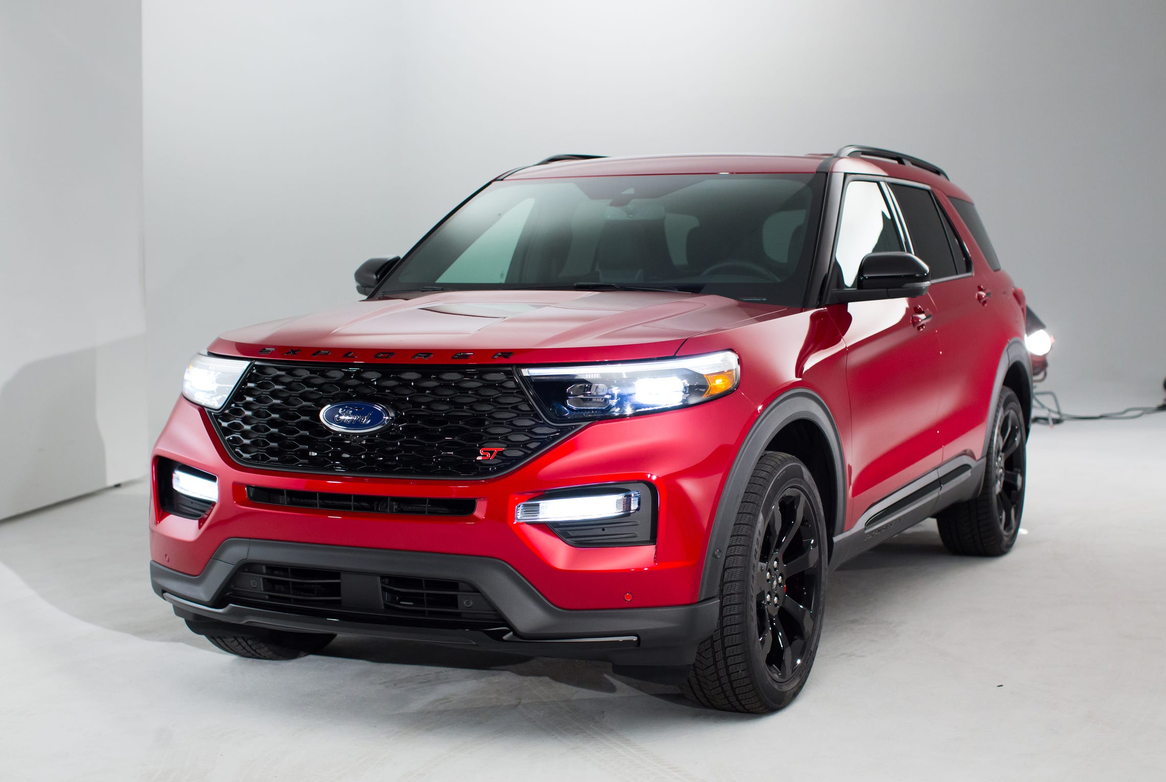 Ford Just Revealed 2020 Explorer Ahead Of Detroit Auto Show What S