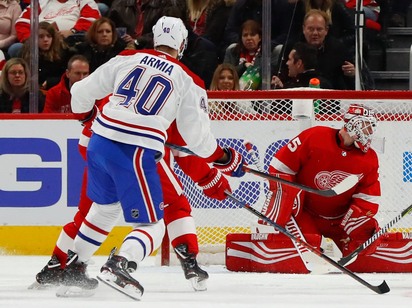 Montreal Canadiens right wing Joel Armia (40) scores on Detroit Red Wings goaltender Jimmy Howard (35) in the second period.