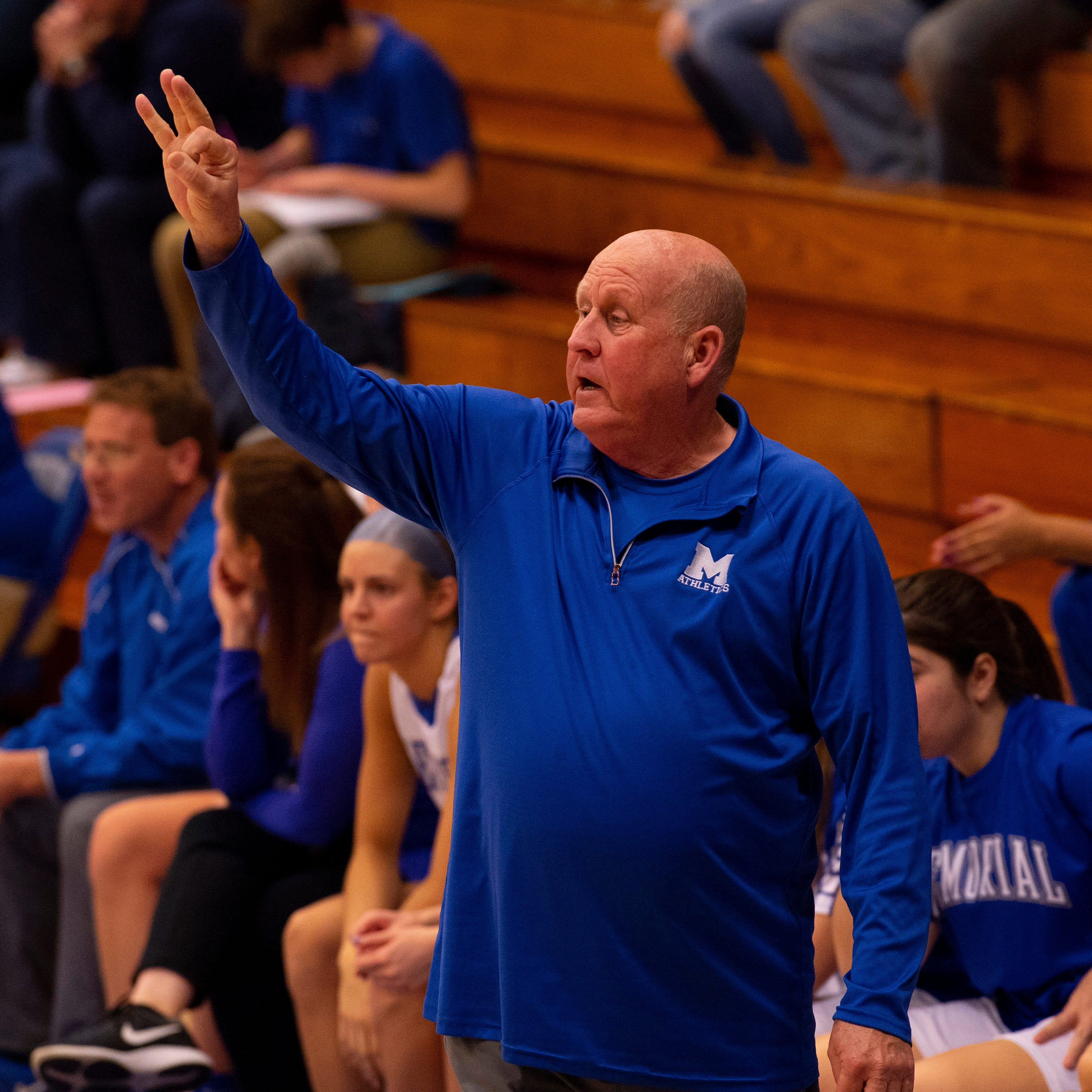 Memorial girls basketball coach Bruce Dockery earns 500th career victory