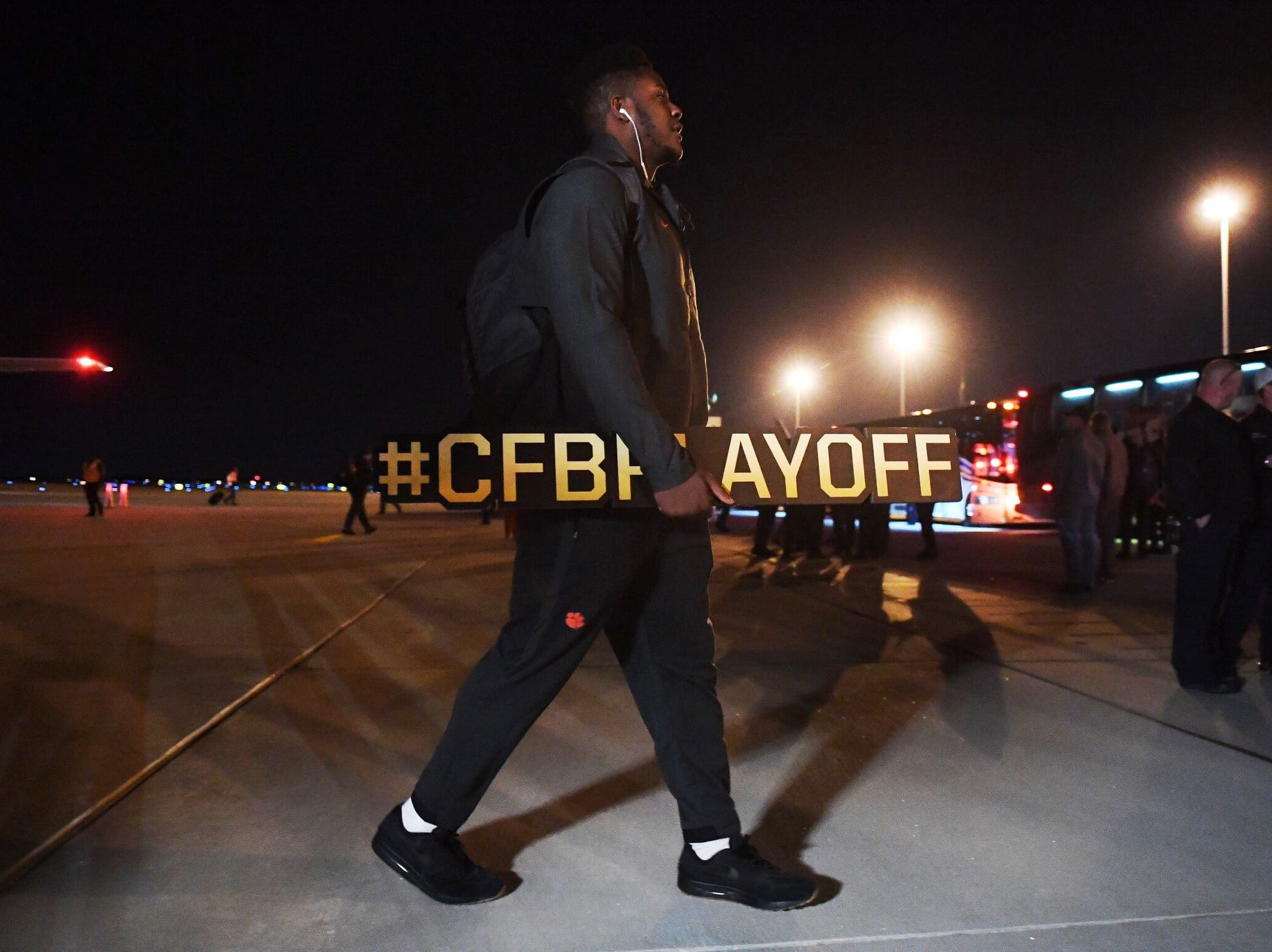 Clemson players and coaches arrived back in South Carolina on Tuesday night after defeating Alabama in the National Championship.