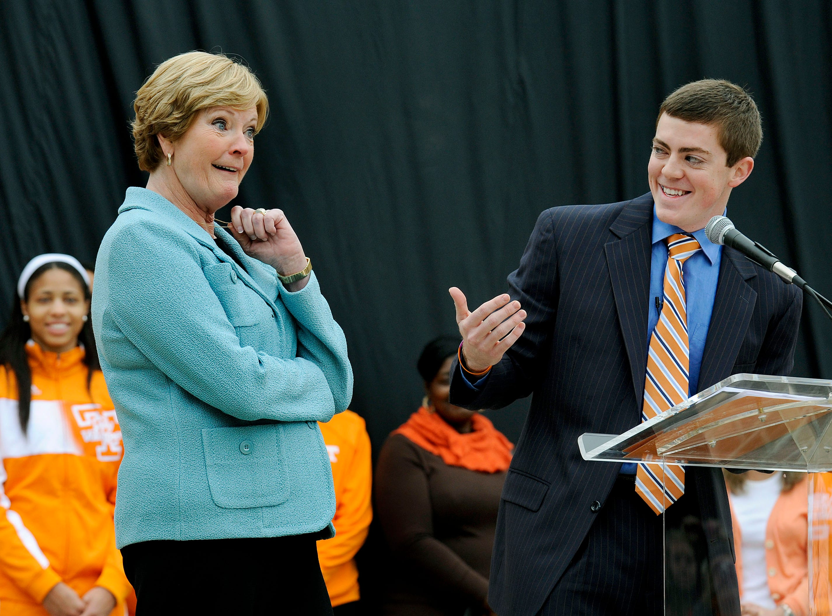 Legendary coach Pat Summitt reacts during her son Tyler's speech Friday, Nov 22, 2013 at the unveiling a sculpture at Pat Summitt Plaza on campus.