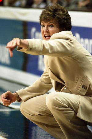 """Former Tennessee coach Pat Summitt, shown here coaching in the 2000 Women's Final Four in Philadelphia, was fond of the saying, """"Toughen up, Buttercup."""" The current Lady Vols need some toughness to end a four-game losing streak."""