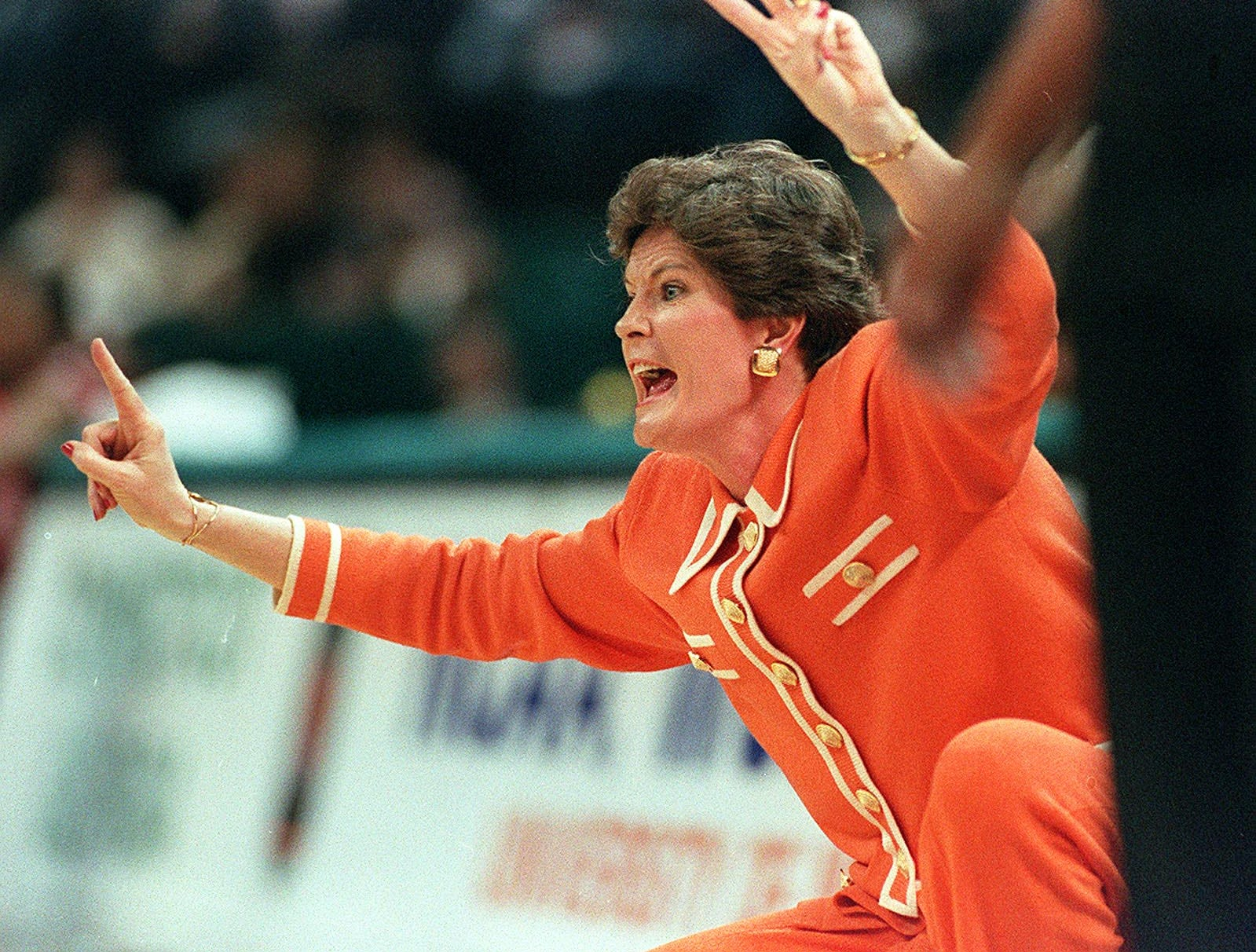 Lady Vols head coach Pat Summitt gives instructions from the sidelines during the Final Four in Charlotte, NC. 1996.