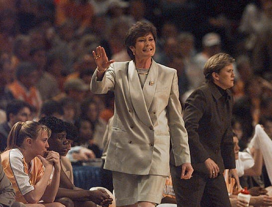 Lady Vols head coach Pat Summit give instructions to her players during the first half of their game Friday night in Kansas City. 1998.