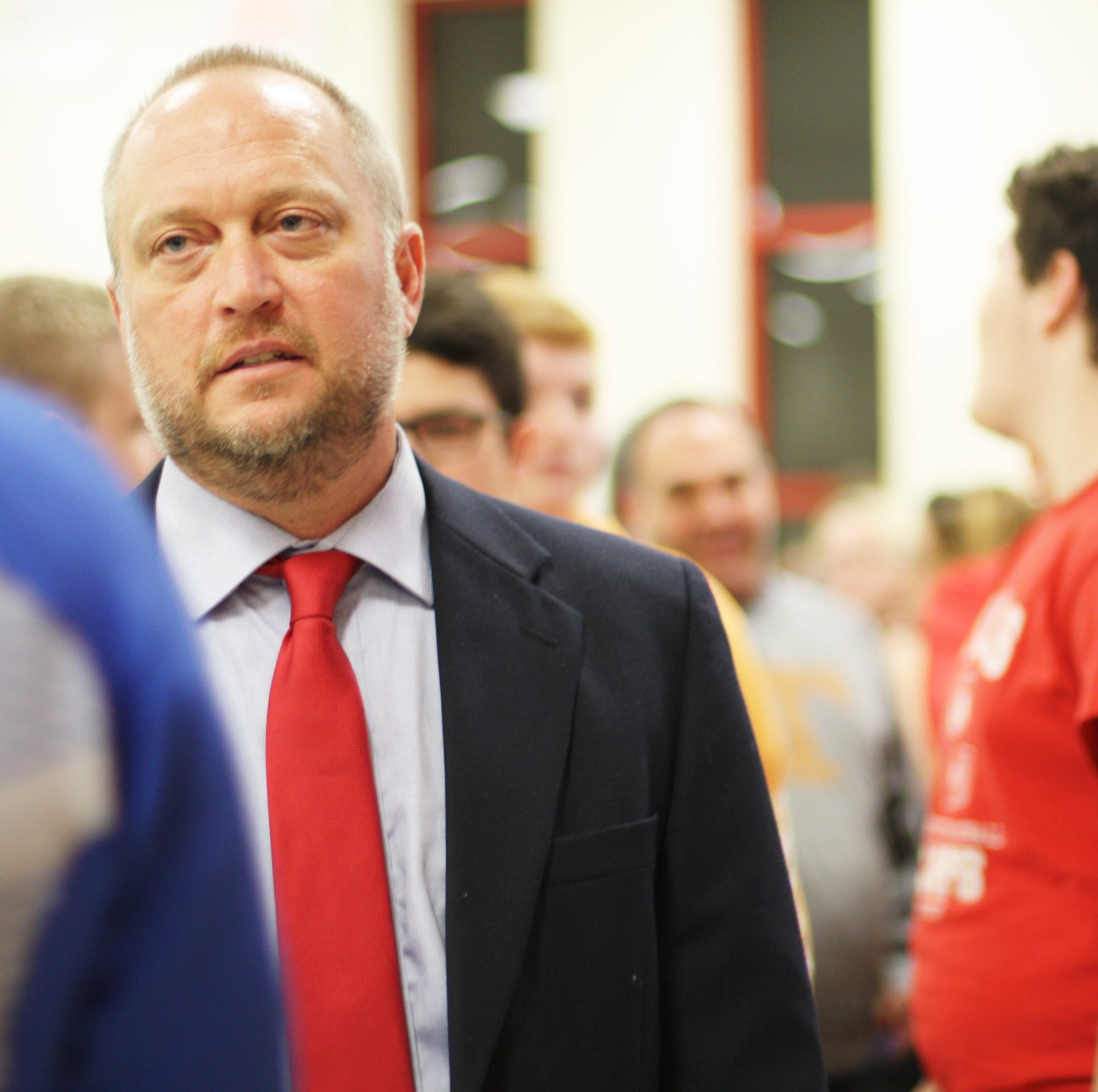 New Halls football coach Scott Cummings encourages team to 'Play for the H'