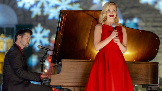 "Reunited Memphis sweethearts Wes Brown and Kellie Pickler make beautiful music together in ""Christmas at Graceland."""