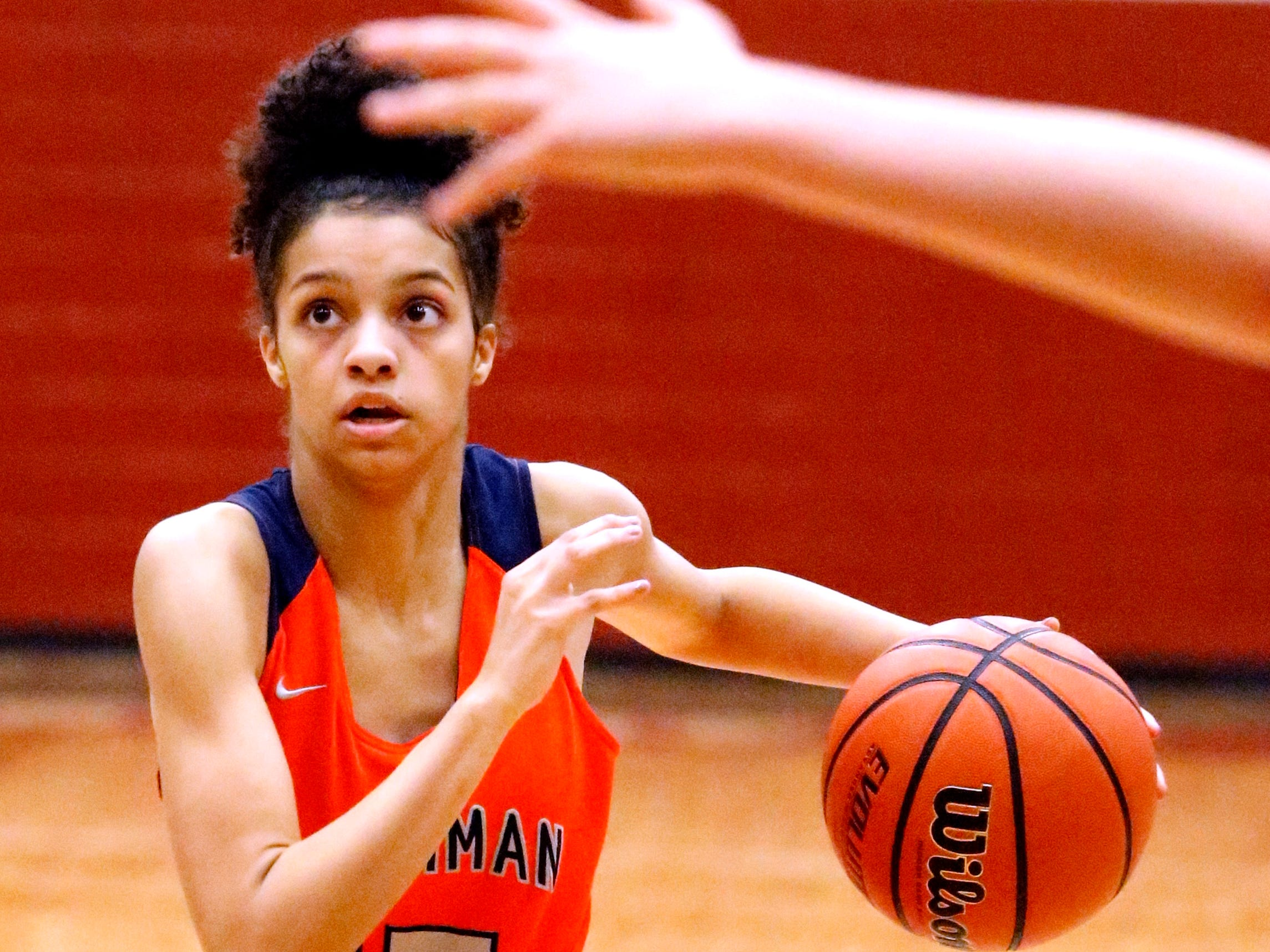 Blackman's Victoria Page (15) pushes to the basket during a game against Riverdale on Tuesday Jan. 8, 2019.