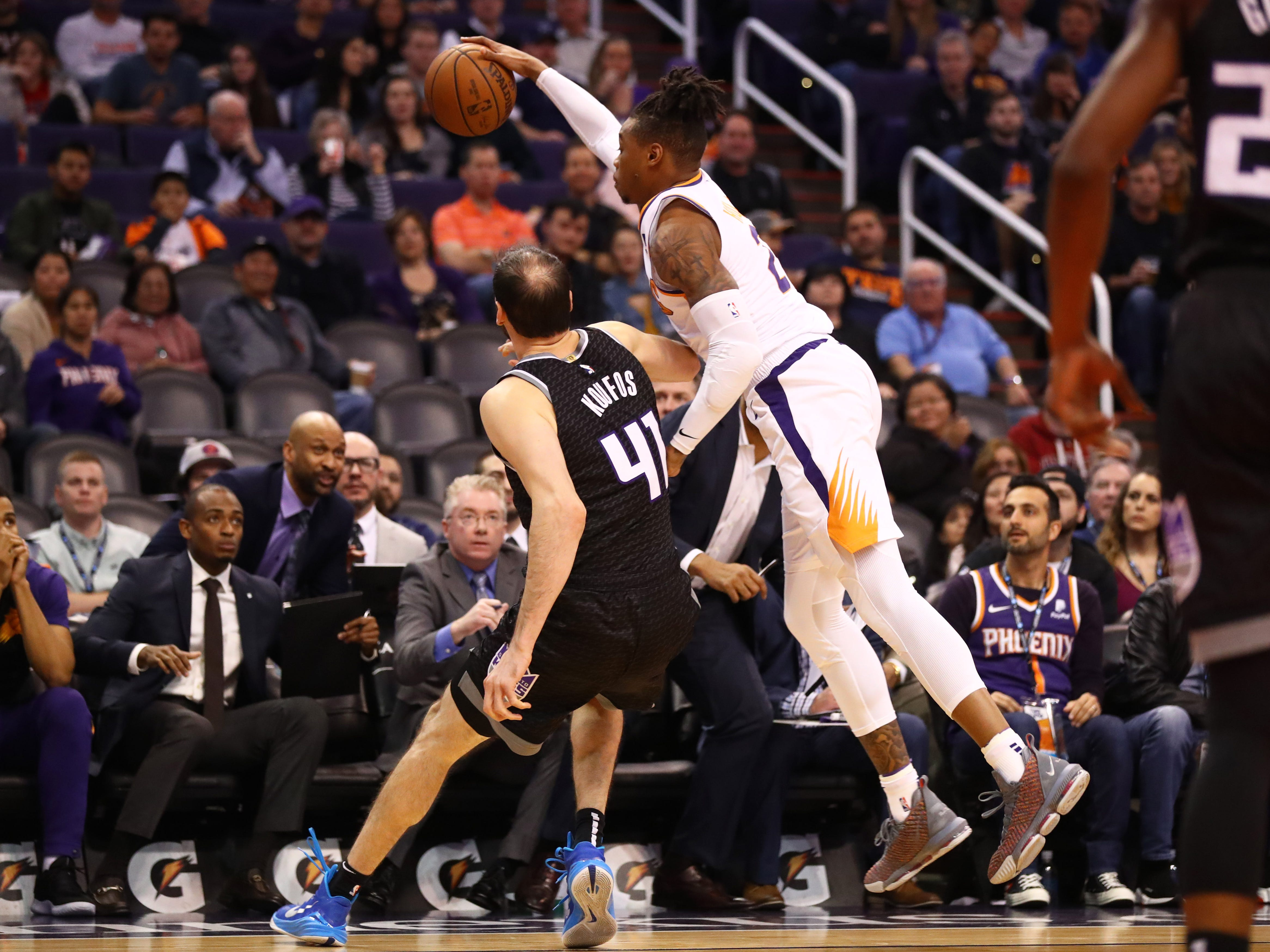 Jan 8, 2019; Phoenix, AZ, USA; Phoenix Suns forward Richaun Holmes (right) grabs a rebound against Sacramento Kings center Kosta Koufos (41) in the first half at Talking Stick Resort Arena. Mandatory Credit: Mark J. Rebilas-USA TODAY Sports