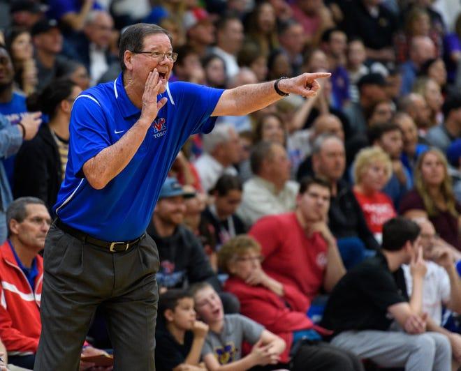 Mesa Mountain View head coach Gary Ernst.