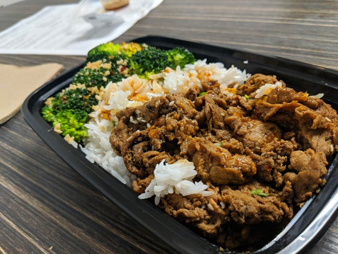 The beef stir fry dish comes in standard form (pictured) and a low-carb version without rice.