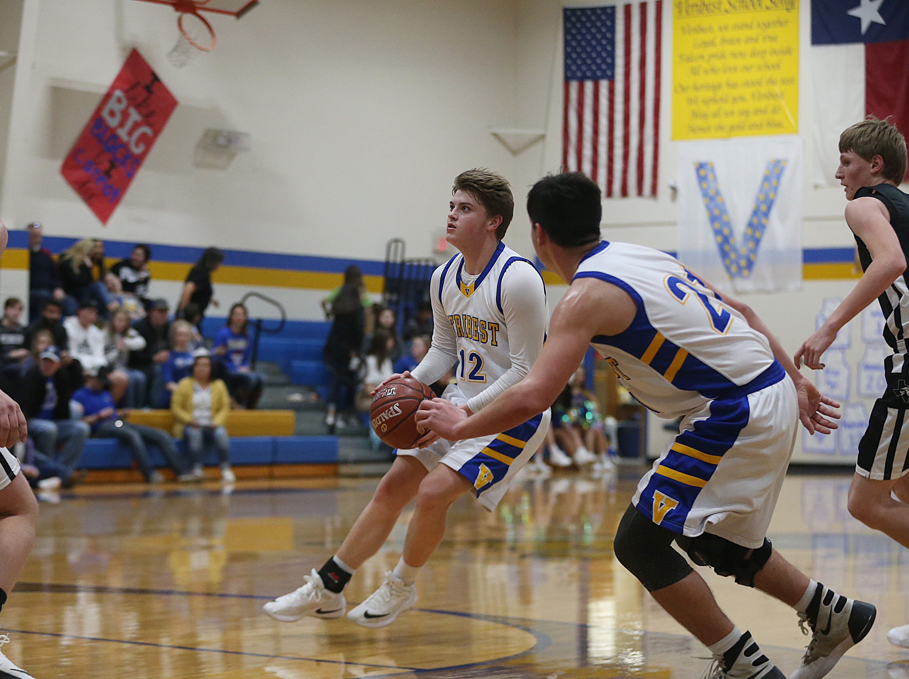 Veribest's Parker Compton (#12) prepares to shoot the ball Tuesday, Jan. 8, 2019 during the game against Water Valley.