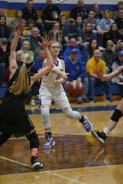 Veribest's Kennadi Wheeless (0) looks to pass inside against Water Valley, Tuesday, Jan. 8, 2019 during their game in Veribest.