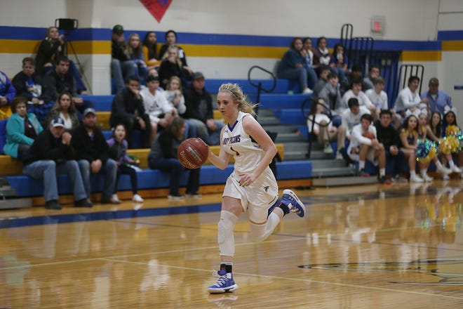 Veribest's Catlyn Ward led her team to a 51-48 win over Blackwell for the District 11-1A championship Tuesday, Feb. 5, 2019, in Veribest.