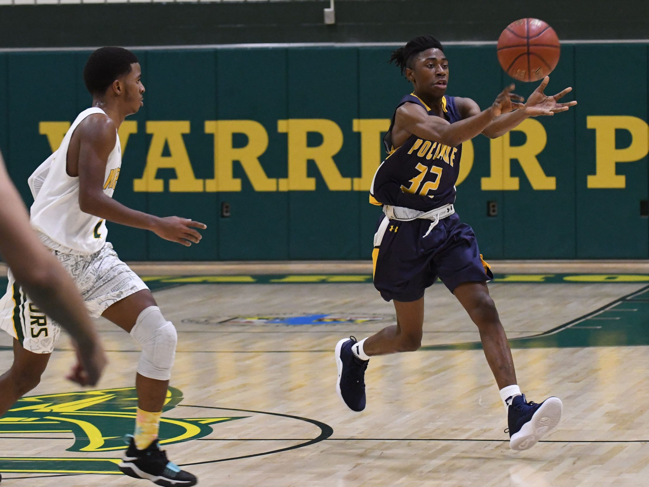 Pocomoke's Isiah Johnson with the pass to his teammate against Pocomoke on Tuesday, Jan 9, 2019.