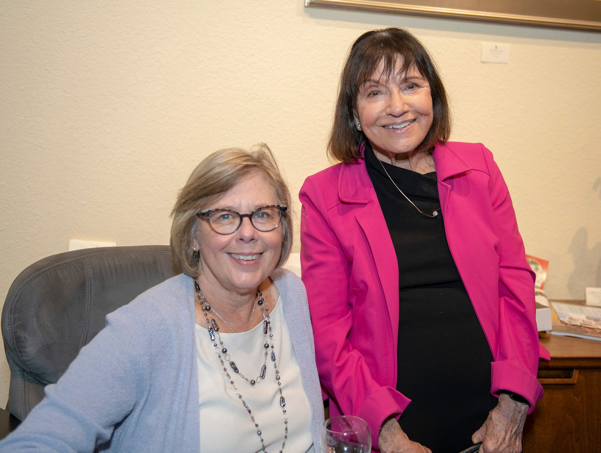 Barbara Pinaire, left, and Ina Tornberg at  Lyric Theatre's Dec. 18 show featuring world class violinist Itzhak Perlman.
