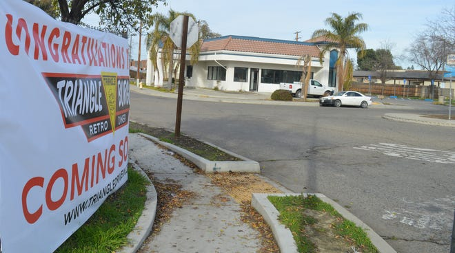 Triangle Burgers will open at the former Bob's Drive-In in Tulare.